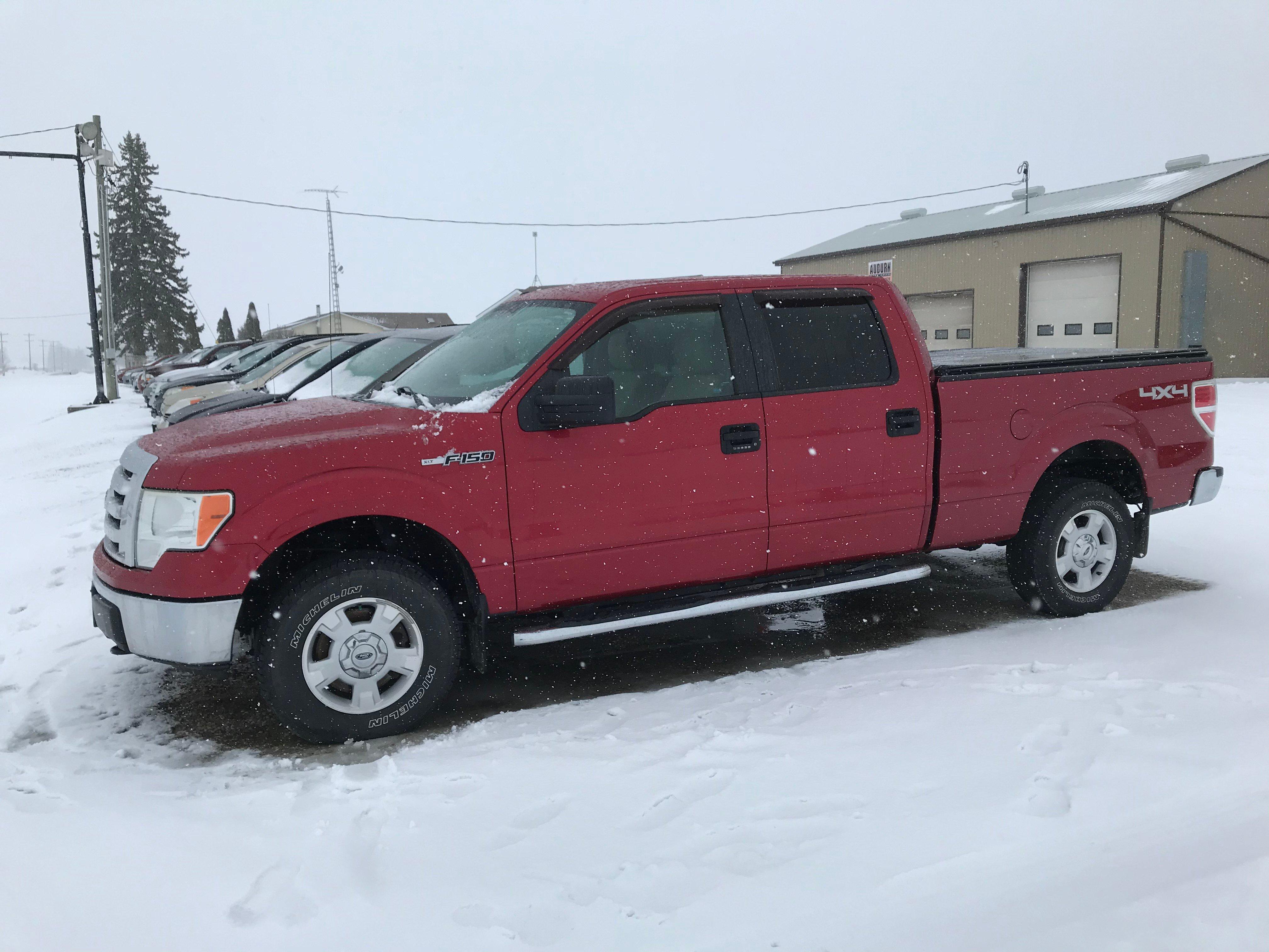 2010 Ford F150 5.4 litre, loaded, 4 door super crew, 4 x 4 308 825 km $9 995.00 + HST Certified