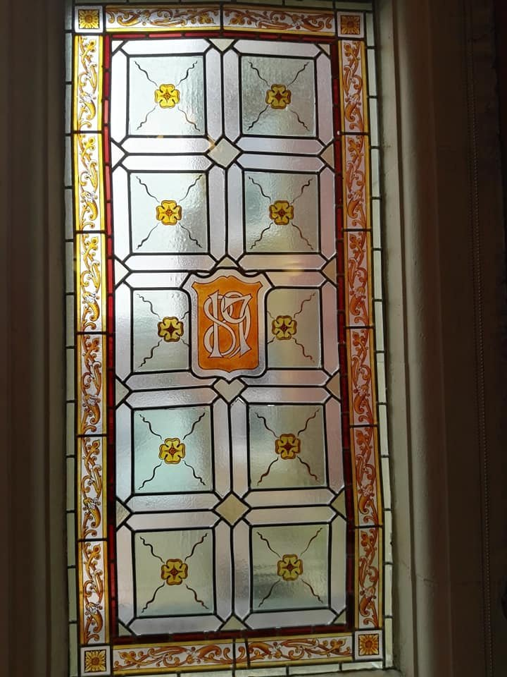 https://0201.nccdn.net/4_2/000/000/071/260/Blackpool-Town-Hall-window-4-720x960.jpg