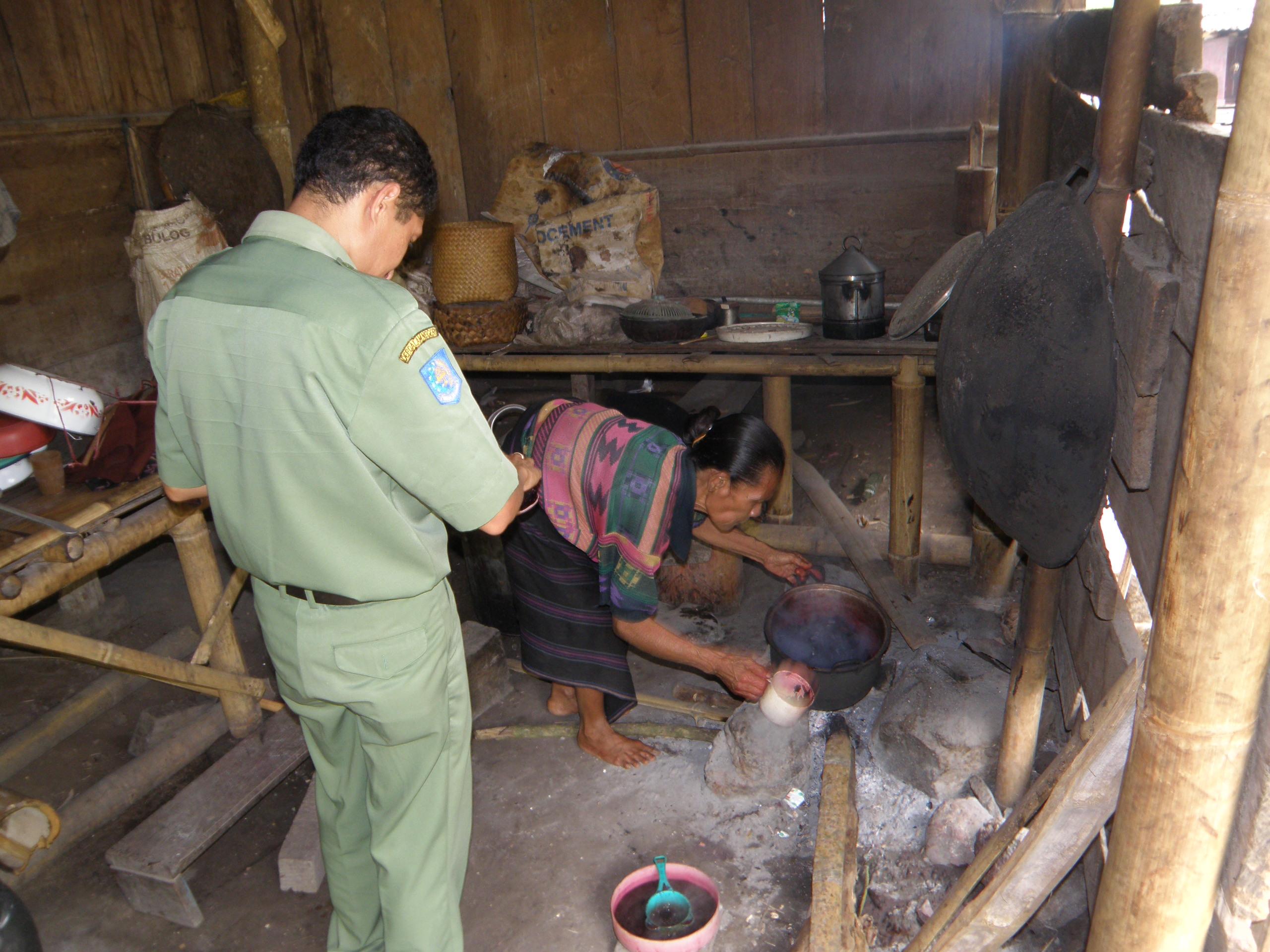 Preparing natural dye
