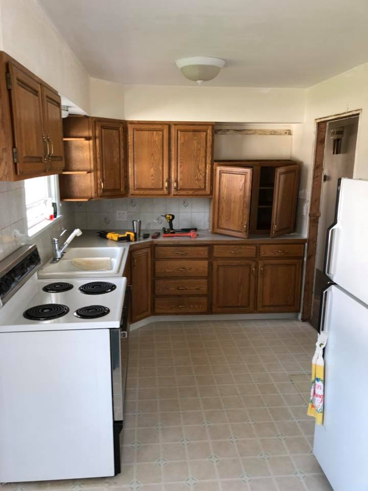 https://0201.nccdn.net/4_2/000/000/071/260/kitchen-before.jpg