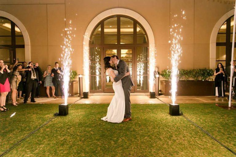 https://0201.nccdn.net/4_2/000/000/071/260/wedding-entrance-1.jpg