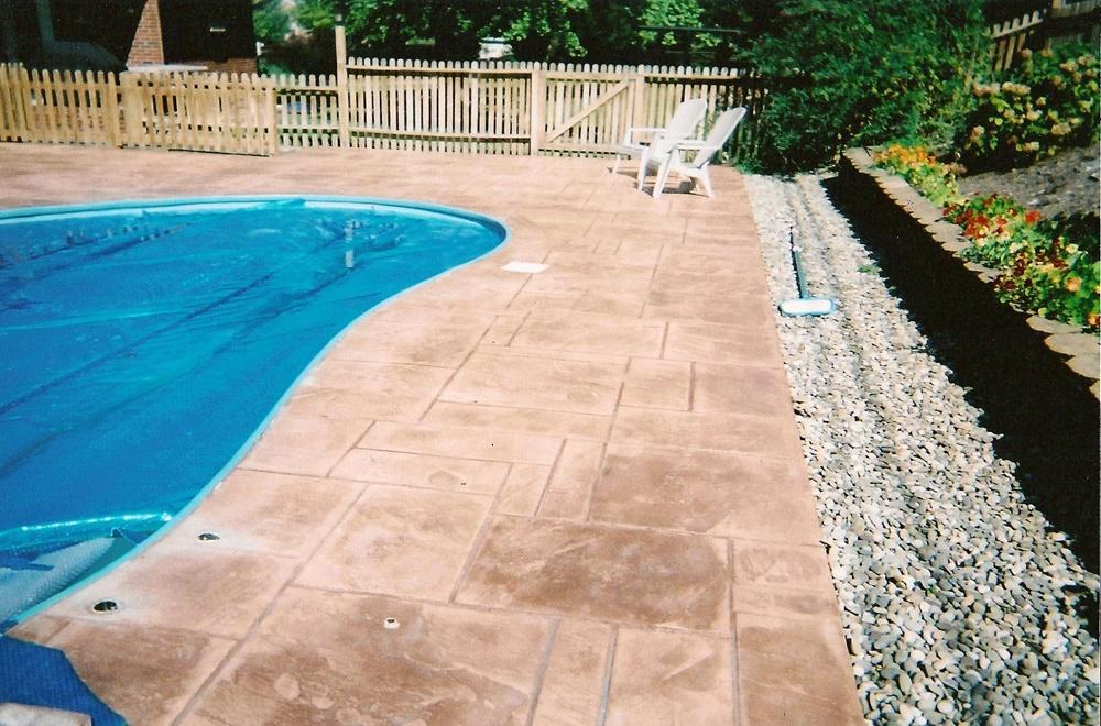 Random slate pool deck