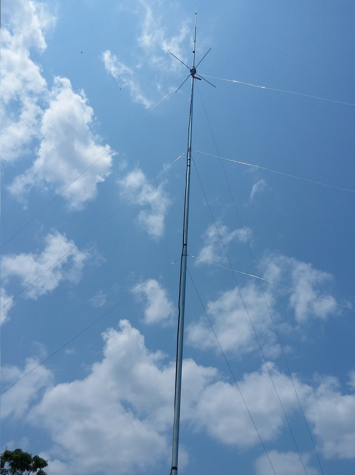 https://0201.nccdn.net/4_2/000/000/076/de9/antena-1168x1564.jpg