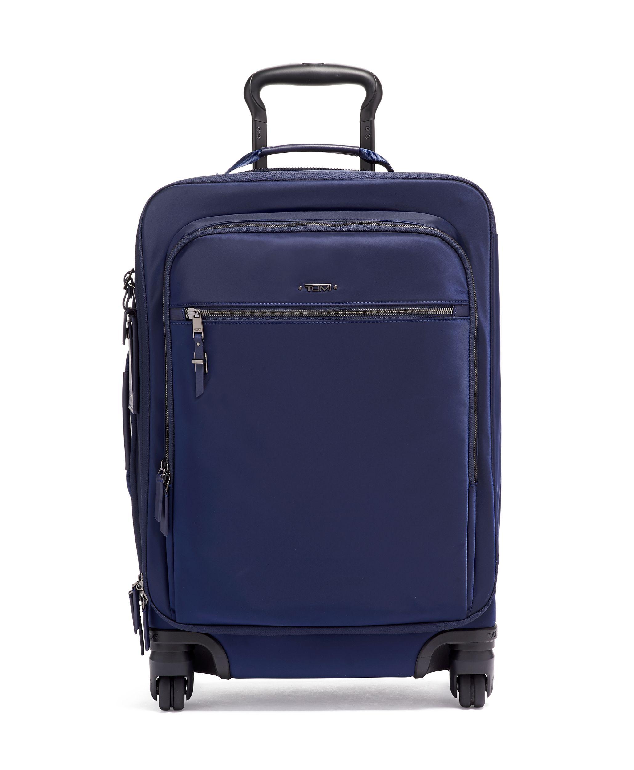 https://0201.nccdn.net/4_2/000/000/076/de9/luggage5-2059x2500.jpg