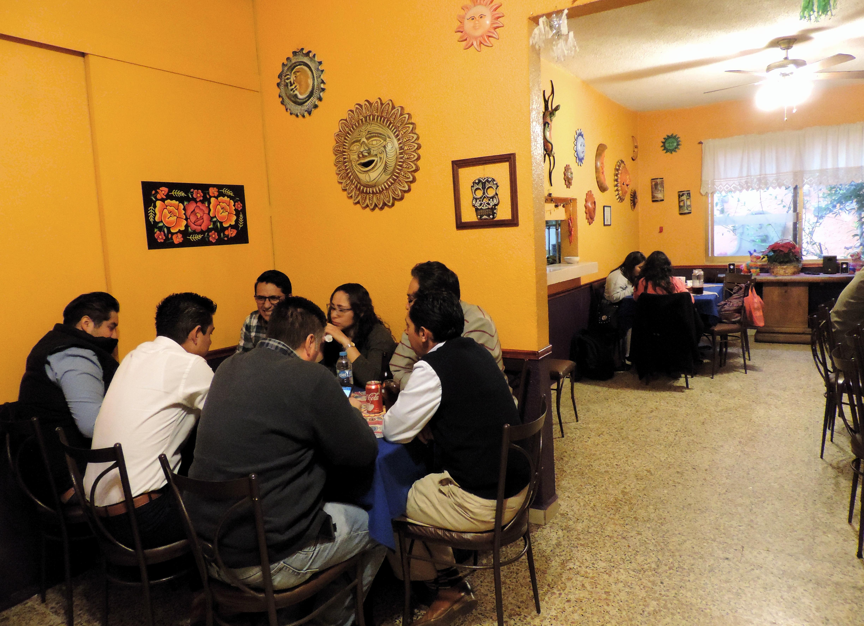 https://0201.nccdn.net/4_2/000/000/076/de9/restaurante27.jpg