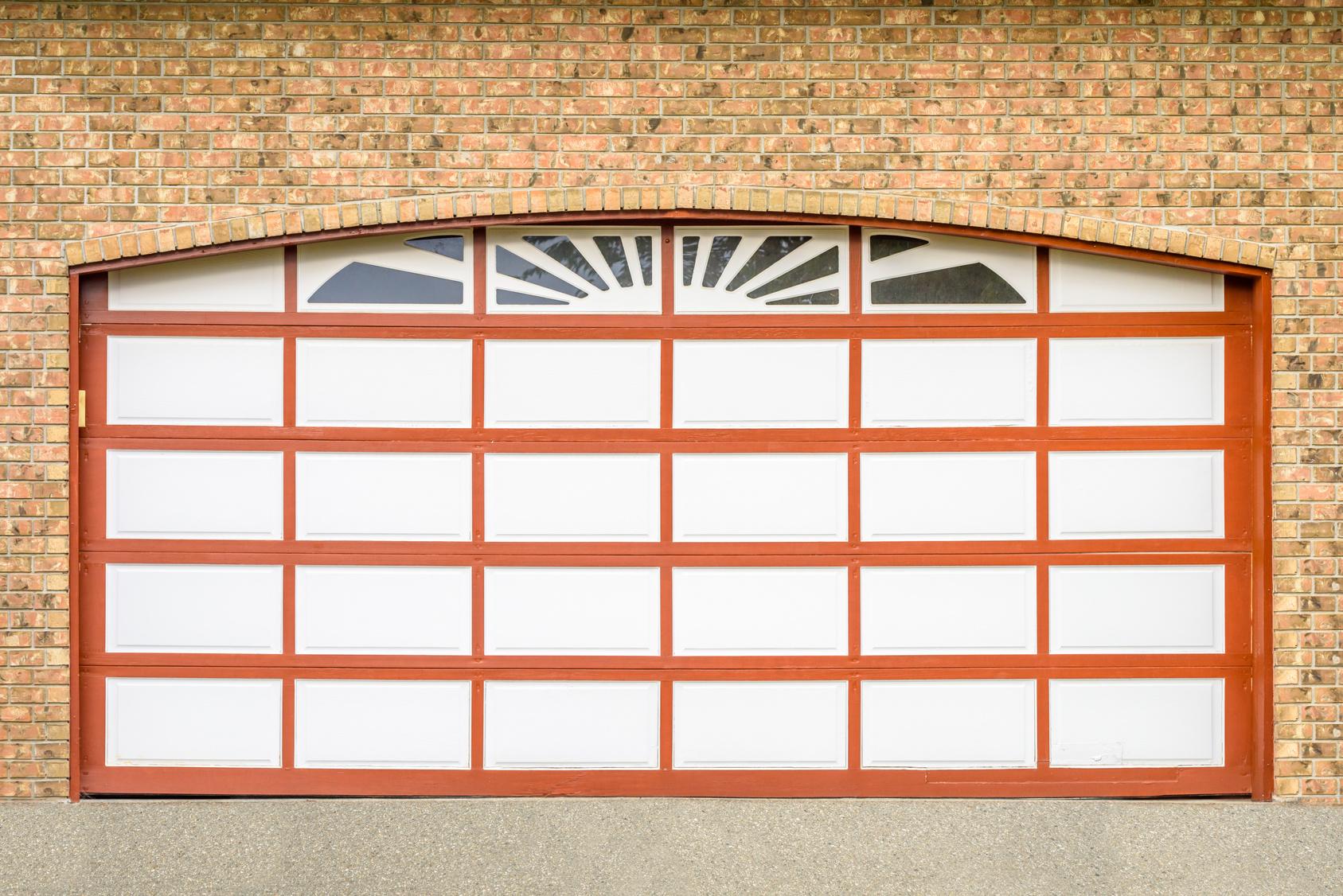 3 Signs Your Garage Door Needs Professional Service