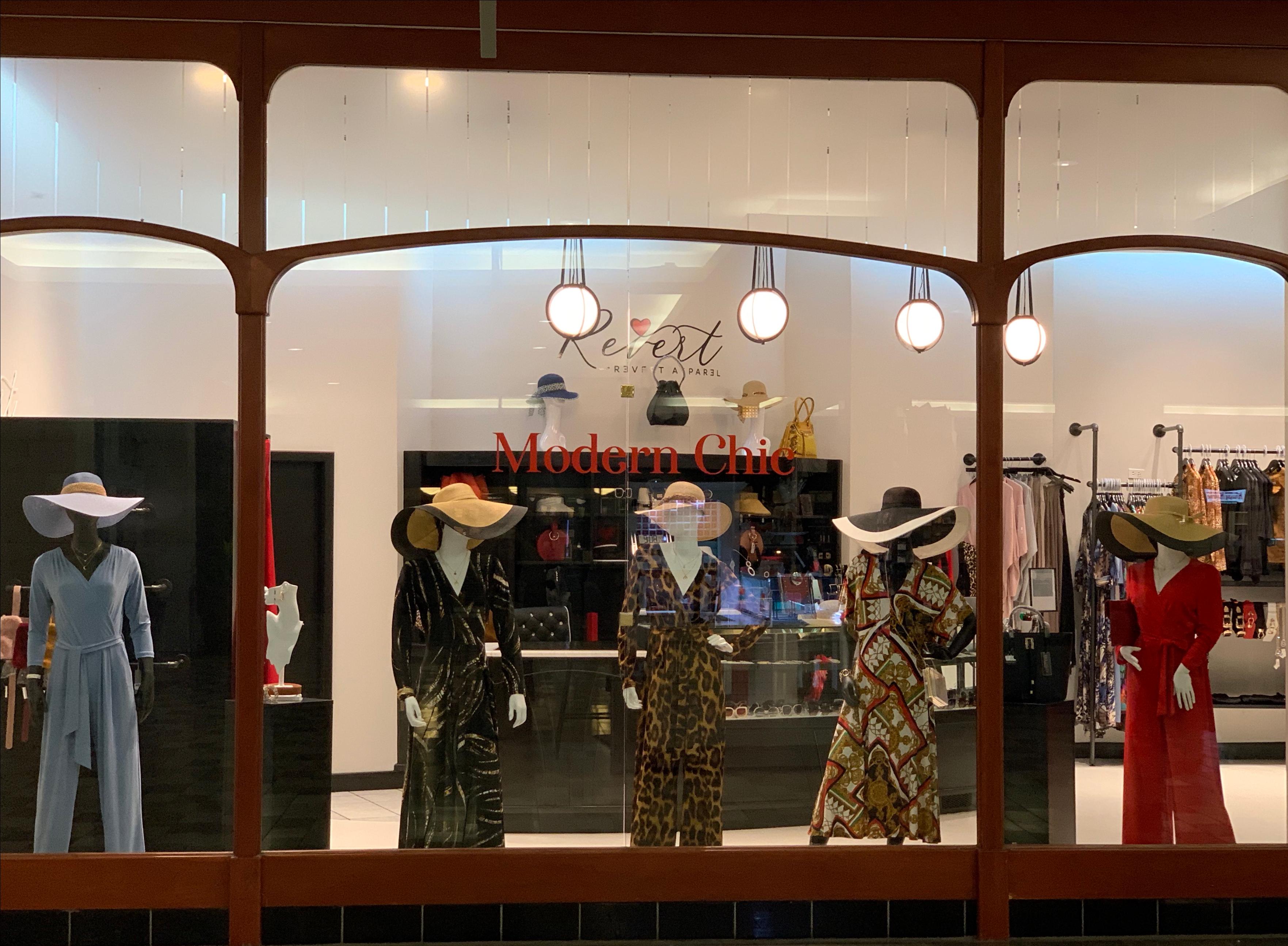 "Revert Apparel Store ""Mannequins"""