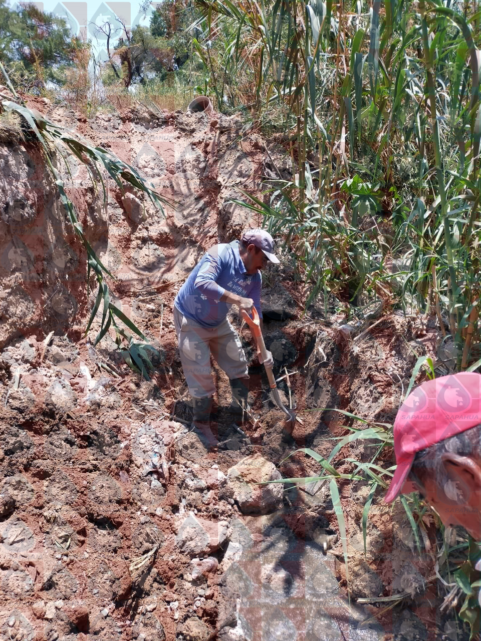Reparación de la línea de drenaje en c. Río Salado con Río Mixteco, col. San Isidro Oriente   Mes: Abril