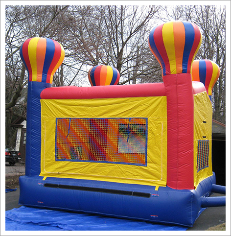 Multicolor bounce house||||