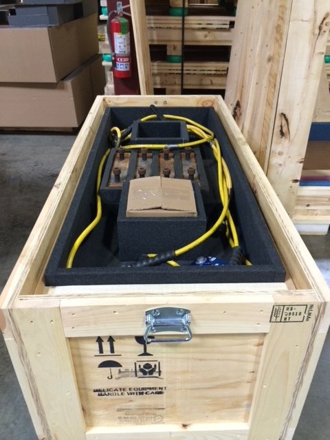 https://0201.nccdn.net/4_2/000/000/07d/95b/Electrical-Instrument-packed-in-foam-inside-Crate-480x640.jpg