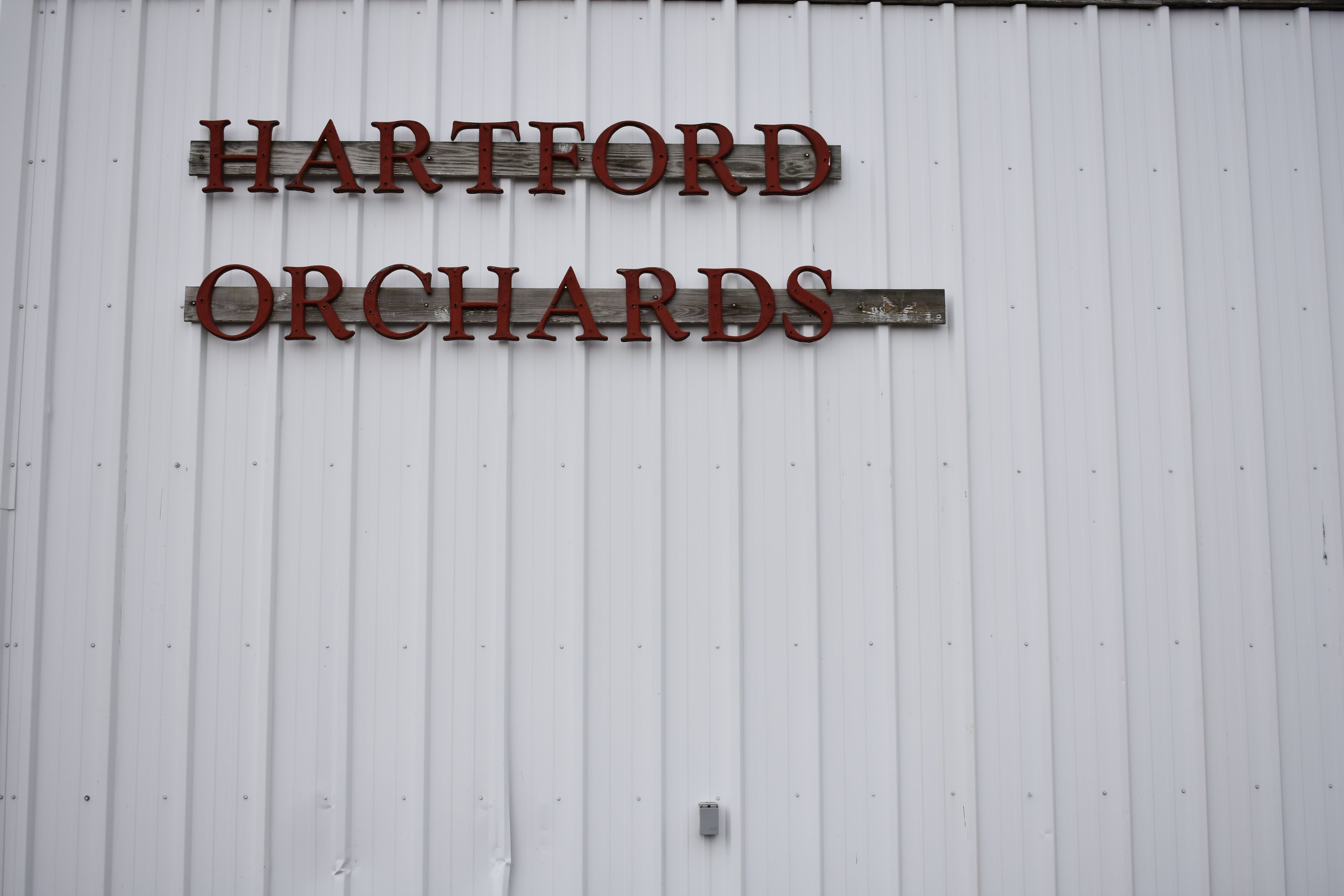 https://0201.nccdn.net/4_2/000/000/07d/95b/Old-Orchard-Building-Sign-min-6000x4000.jpg