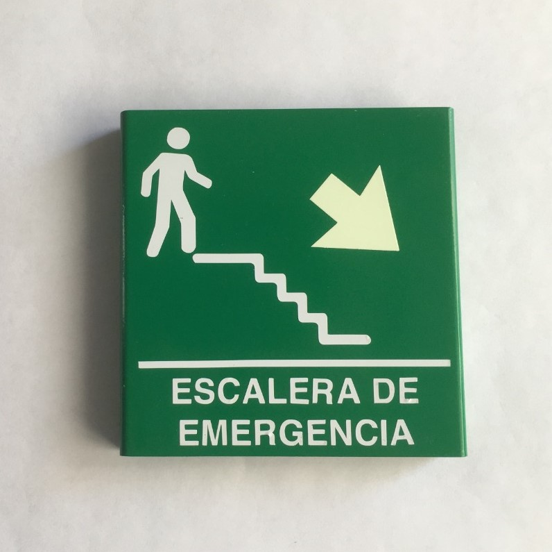 https://0201.nccdn.net/4_2/000/000/07e/96f/escalera-de-emergencia-derecha-abajo-editada.jpeg