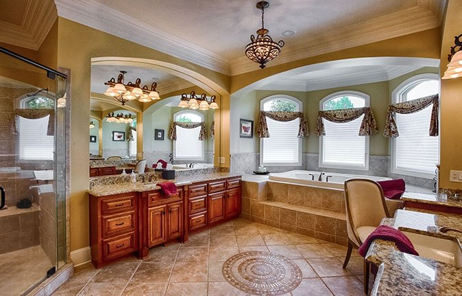 High-End Bathroom