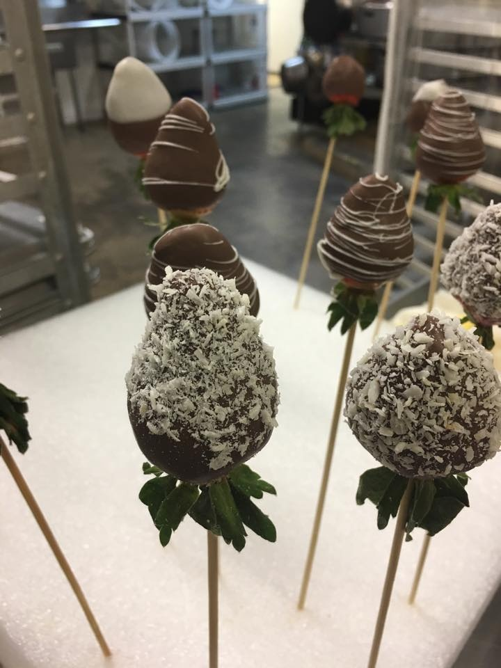 Fresh Chocolate Dipped Fruit