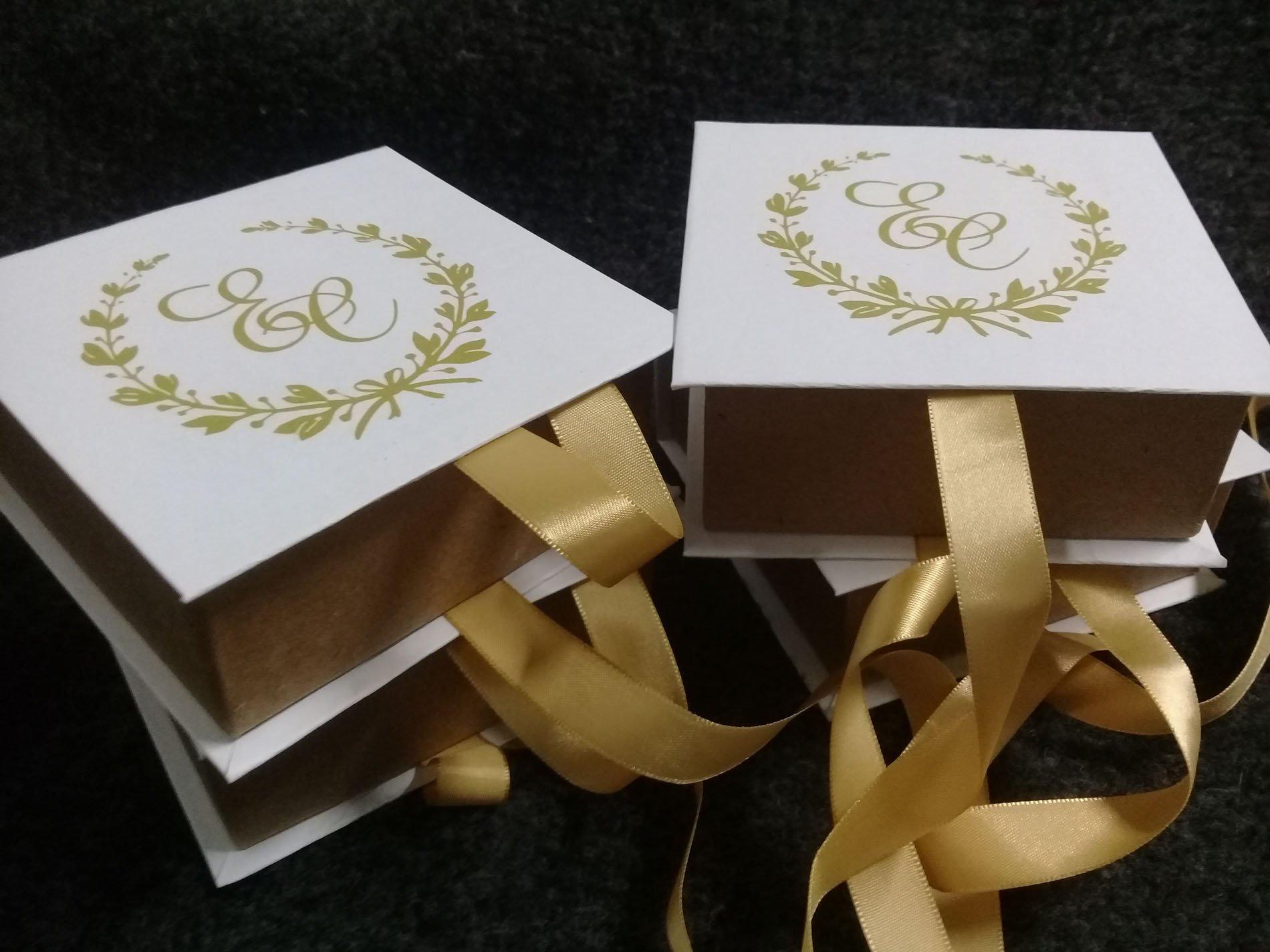 Caixa 10x10 - Ideal  para convites, bombons, doces.