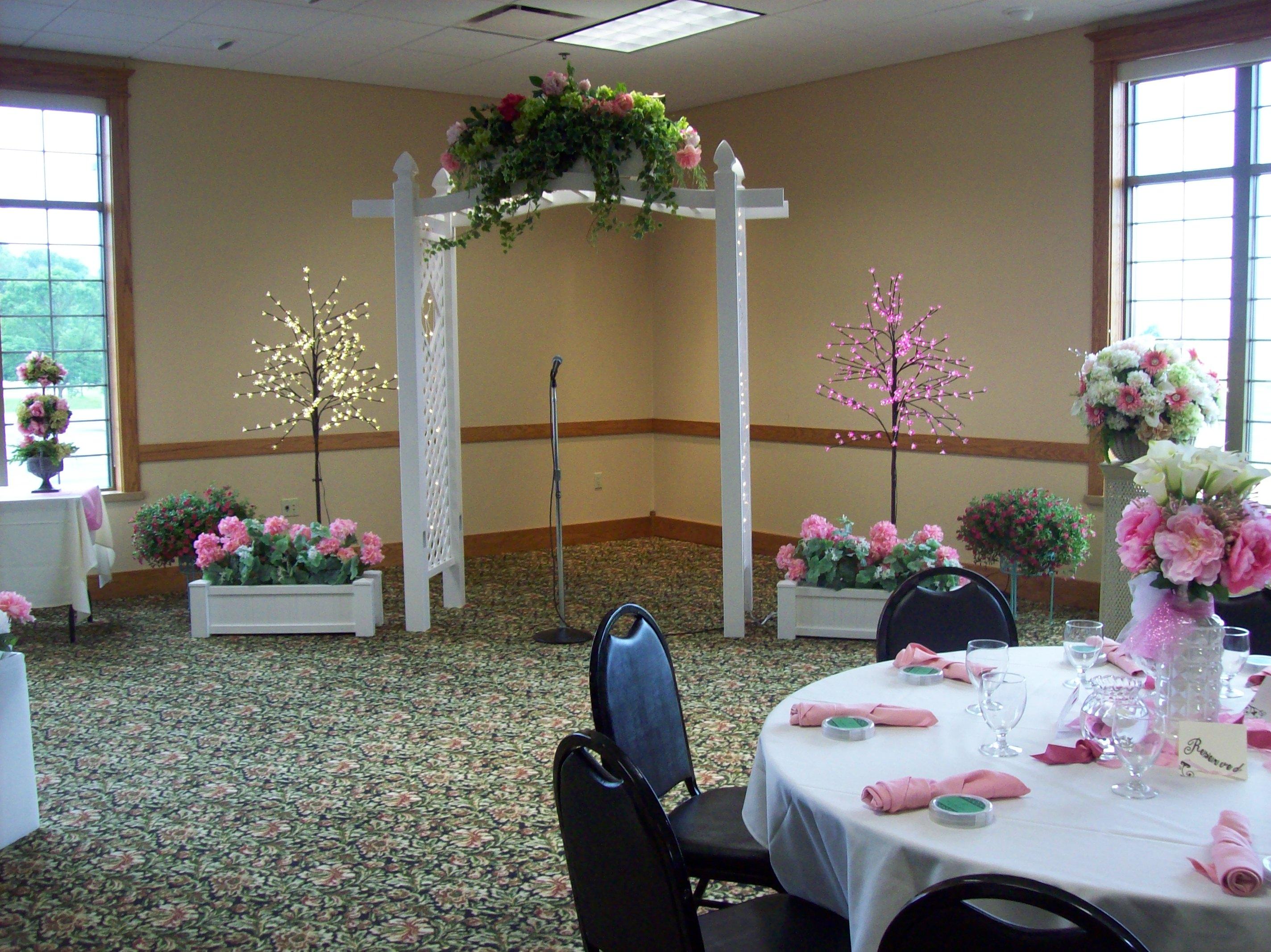 Fruechte Room - floral arbor
