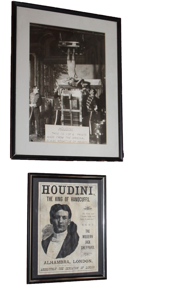 https://0201.nccdn.net/4_2/000/000/085/64b/Houdini-hanging-upside-down-pics-cropped--2-.jpg