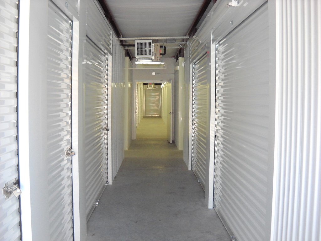 Walkup white self storage units||||