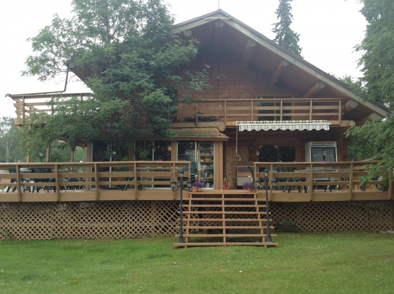 Location and reservations northwest ontario fishing for Ontario fishing lodges and resorts